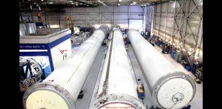 Elon Musk Revolutionizing Space Travel - Falcon 9 SpaceX - Colonizing Mars